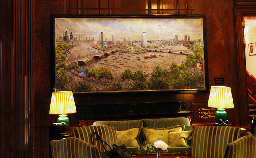 savoy hotel, london picture lights lit by hogarth lighting