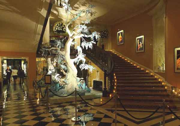 Claridges Galliano Christmas tree lighting by Hogarth picture lights