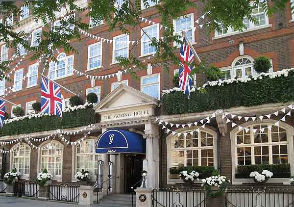 the goring hotel london install hogarth picture lights