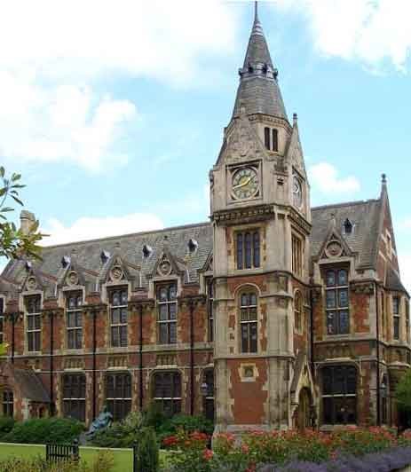 pembroke college cambridge install Hogarth picture lights