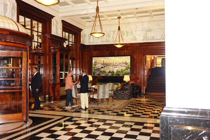 hogarth at the savoy hotel, london, installing contemporary picture light