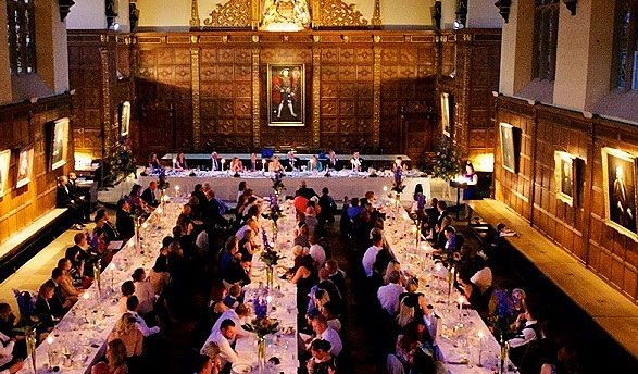 Trinity College cambridge use hogarth Lighting for portrait picture lights