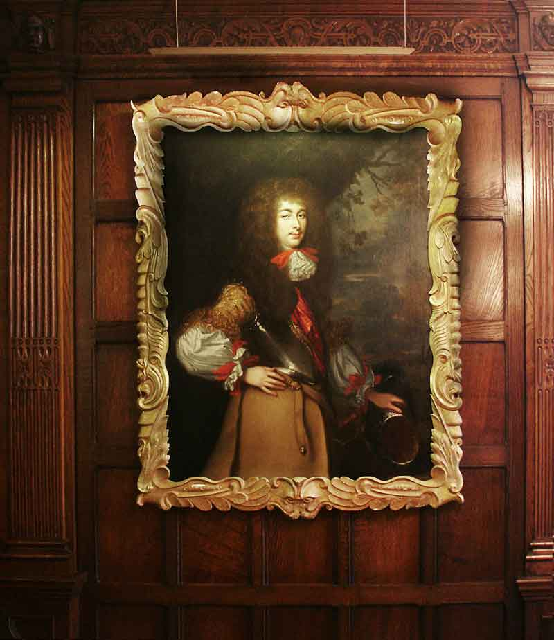 contemporary picture light hanging above painting in the ironmongers hall barbican